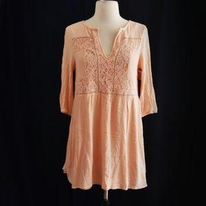 Dresses & Skirts - Peach V Neck Bubble Sleeve Dress Size Small
